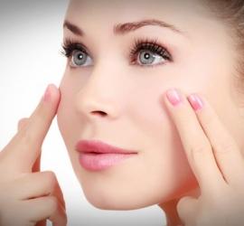 وصفات فعالة للتخلص من تجاعيد تحت العين
