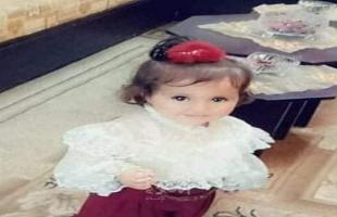 """مصرع الطفلة """" غنا حميد"""" جراء سقوطها من شرفة منزلهم في مخيم الشاطئ"""