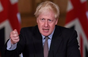 """جونسون يعلن: أزمة الوقود """"تنحسر"""""""