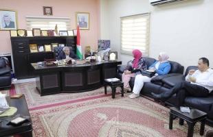 قلقيلية: المحافظ يلتقي وفداً من مؤسسة الرؤية العالمية