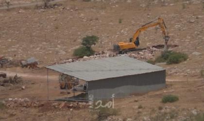 سلطات الاحتلال تفرض غرامة مالية على مواطن من الأغوار مقابل استرجاع صهريج مياه