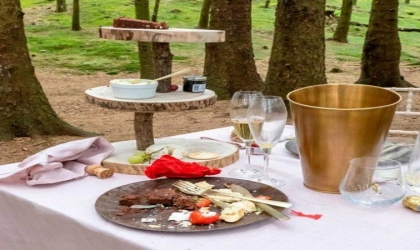 حكاية طاولة طعام أثارت الجدل في بريطانيا